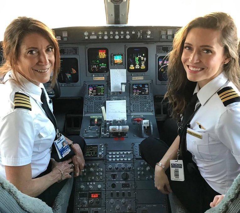 Skywest Mother-Daughter Cockpit Team
