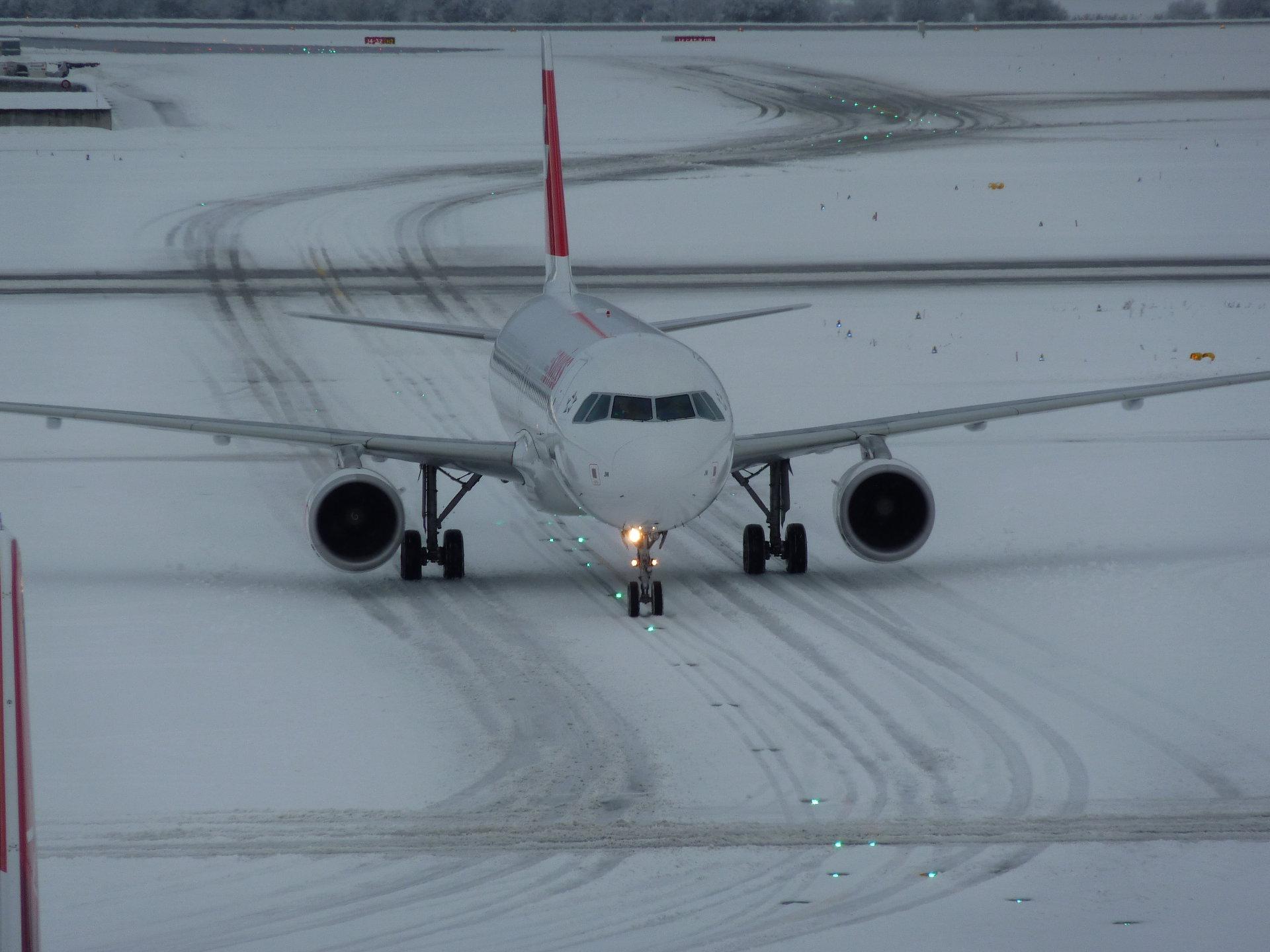 Image ©2010 Flughafen Zürich