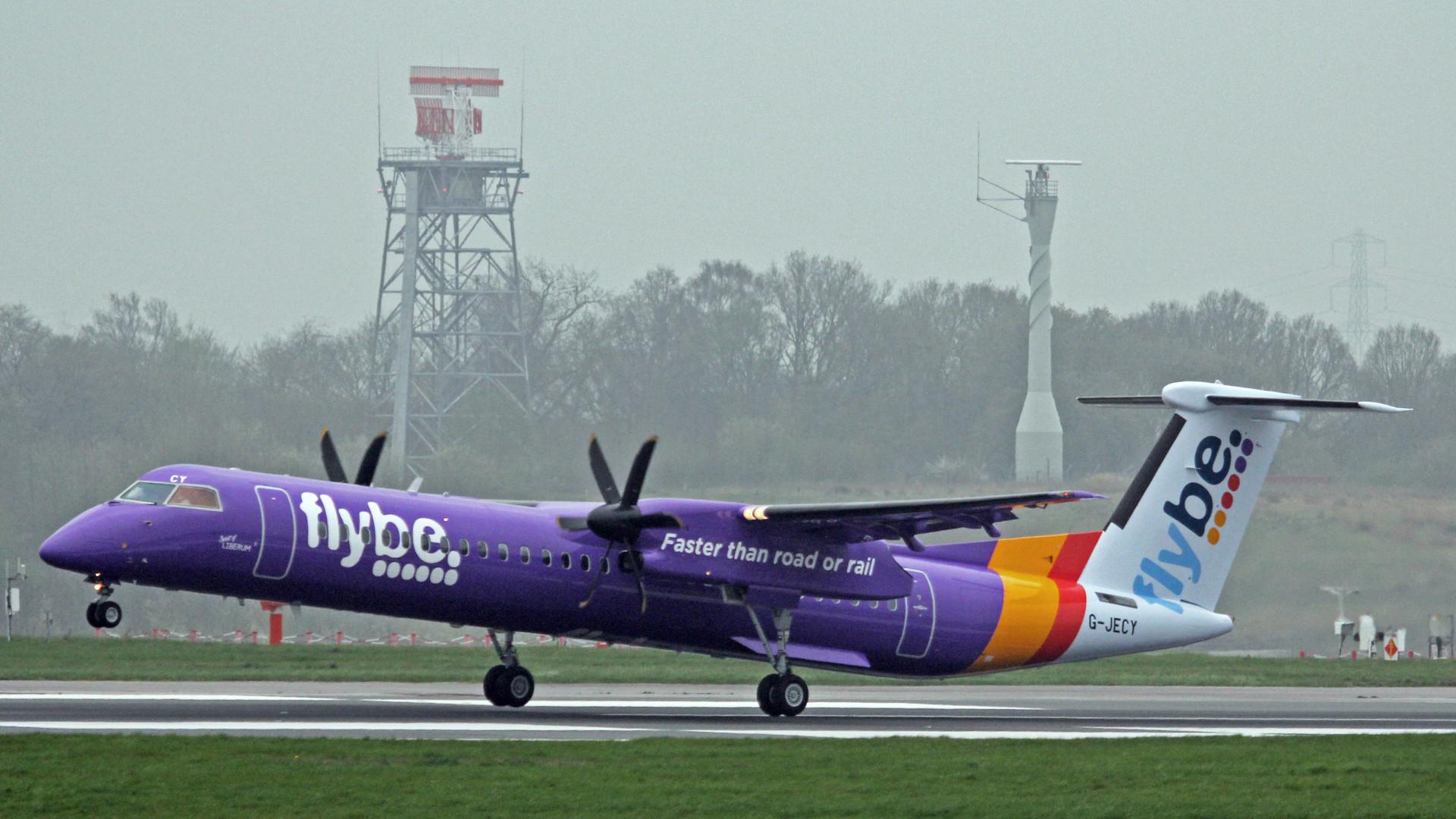FlyBE Dash8-Q400 Photo Credit: Ken Fielding via Wikmedia Commons